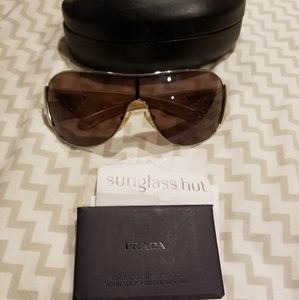 5d2549dc411 Prada Accessories - Authentic Prada Aviator Sunglasses